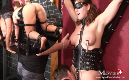 Blowjob 02 - With 2 young slaves in the dungeon of lust - Bild 4