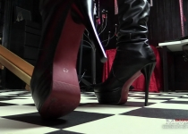 Lady Amanda Jane is looking for users for slave games